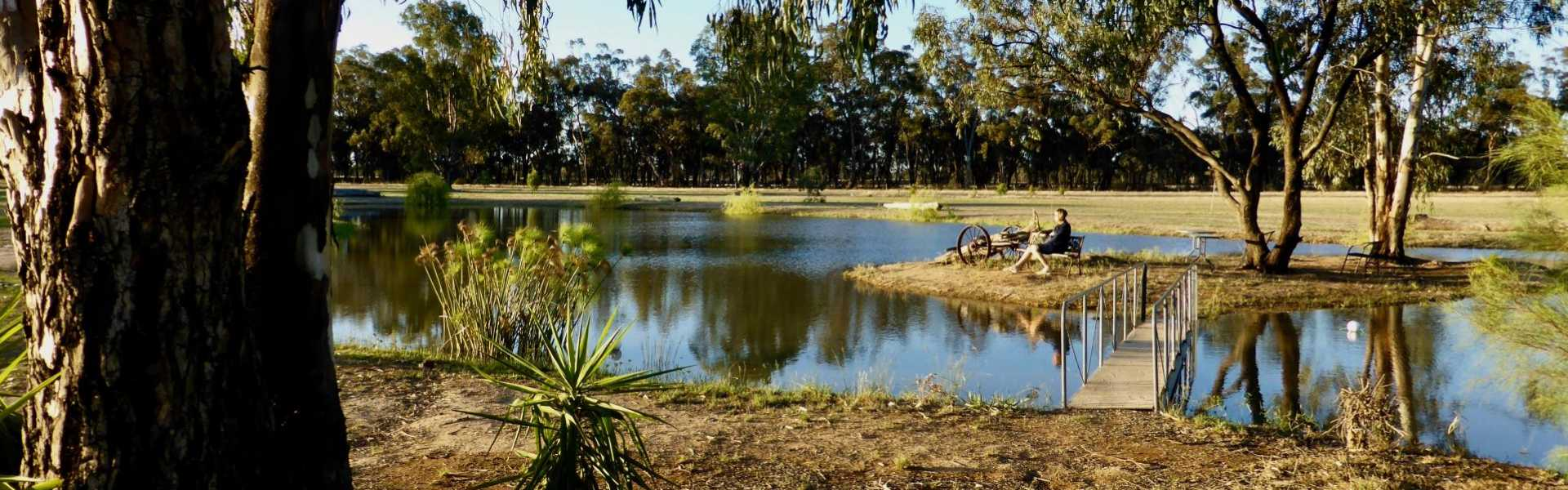 Kui Parks, Cocobend Caravan and Camping Grounds, Moama, Dam