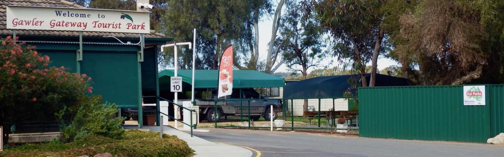 Kui Parks, Gawler Gateway Tourist Park, Entrance