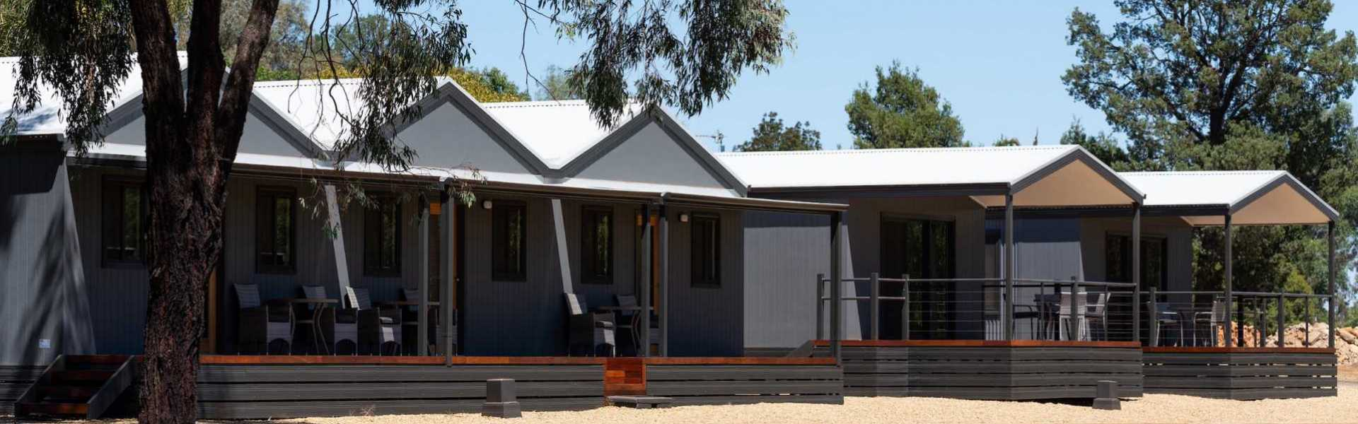 Kui Parks, Horseshoe Tourist Park, Wagga Wagga, Villas and Studios