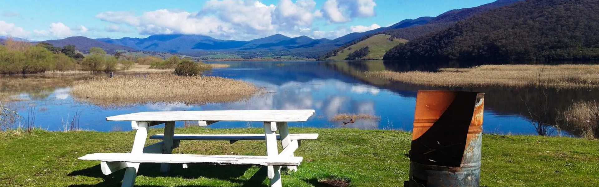 Kui Parks, Khancoban Lakeside Caravan Park, Lake