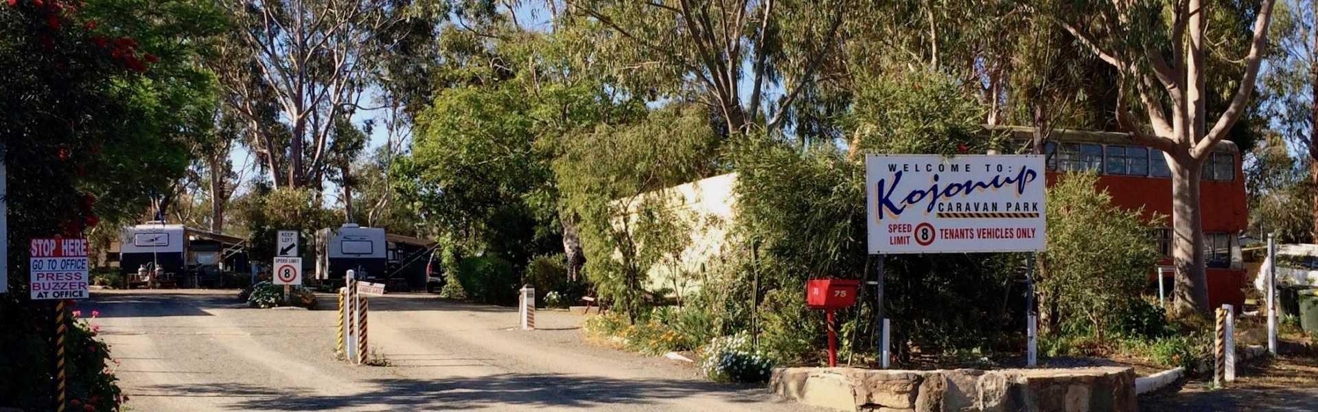 Kui Parks, Kojonup Caravan Park, Entrance