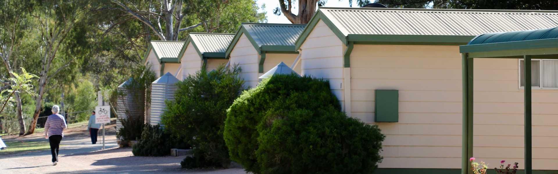 Kui Parks, Melrose Caravan & Tourist Park, Cabins