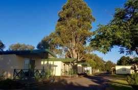 Country Road Caravan Park Cabins
