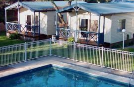 Kui Parks, Cowes, Beach Park Tourist Caravan Park, Pool
