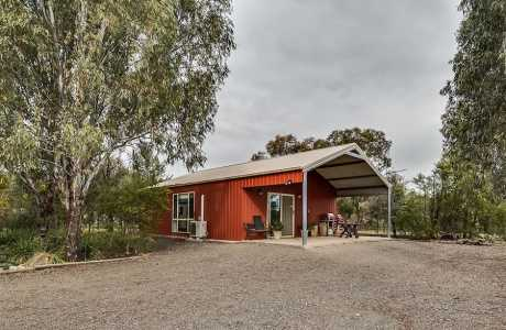 Kui Parks, Coolac Cabins & Camping, Cabins