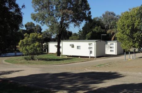 Kui Parks, Horseshoe Tourist Park, Wagga Wagga, Cabin