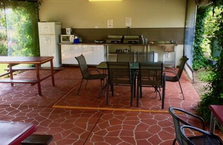 Kui Parks, Inverell Caravan Park, Camp Kitchen