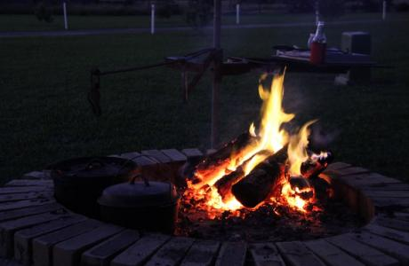 Kui Parks, Cheery Nomad RV Park & Farmstay, Maryborough, Camp Fire