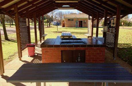 Kui Parks, Cootamundra Caravan Park, Camp Kitchen, BBQ