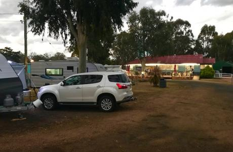 Kui Parks, Crows Nest Caravan Park, Hidden Gem Restaurant & Cafe, Park