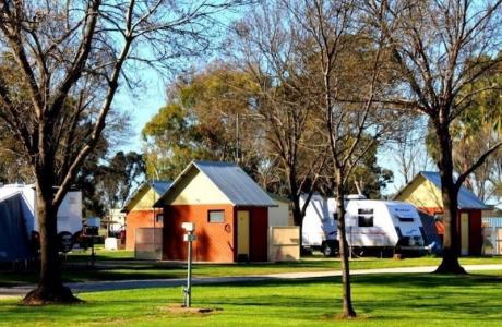 Kui Parks, Pioneer Tourist Park, Deniliquin, Ensuite Sites