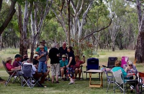 Kui Parks, Pioneer Tourist Park, Deniliquin, Happy Hour