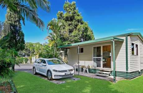 Kui Parks, Diamond Waters Caravan Park, Dunbogan, Cabin