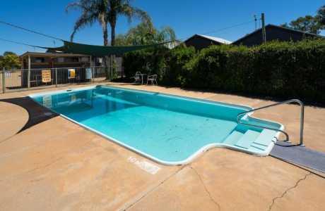 Kui Parks, Horseshoe Tourist Park, Wagga Wagga, Pool