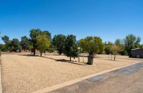 Kui Parks, Horseshoe Tourist Park, Wagga Wagga, Sites