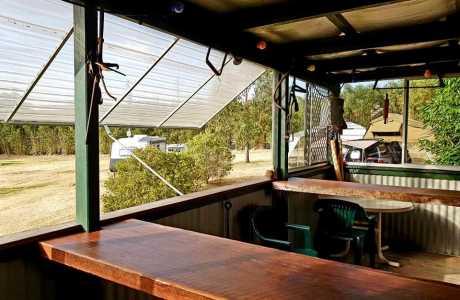Kui Parks, Killarney Sundown Motel & Tourist Park, Camp Kitchen