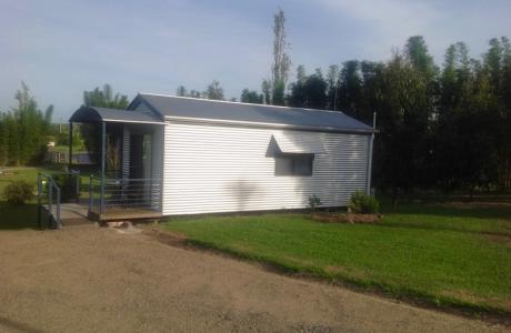 Kui Parks, Killarney Sundown Motel & Tourist Park, Cabin