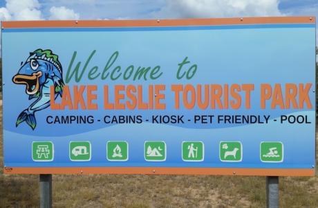 Kui Parks, Lake Leslie Tourist Park, Signage