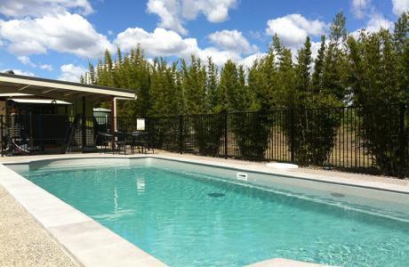 Kui Parks, Lake Redbrook Holiday Retreat, Childers, Pool