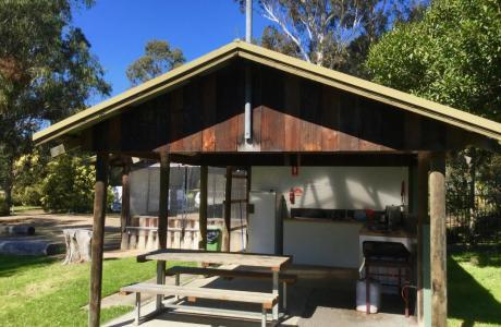 Kui Parks, Nicholson, Bushland Cabin & Caravan Park, Camp Kitchen