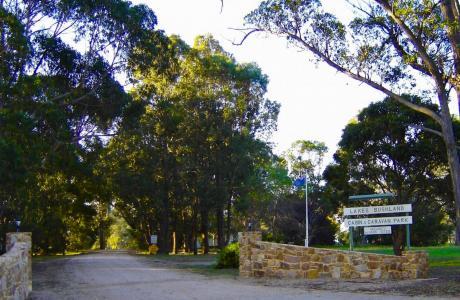 Kui Parks, Nicholson, Bushland Cabin & Caravan Park, Entrance