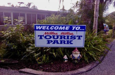 Kui Parks, Millaa Millaa Tourist Park, Entrance