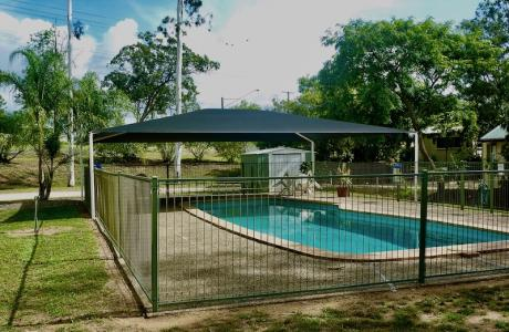 Kui Parks, Monto Caravan Park, Pool