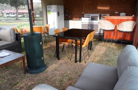 Kui Parks, Murrurundi Caravan Park, Camp Kitchen