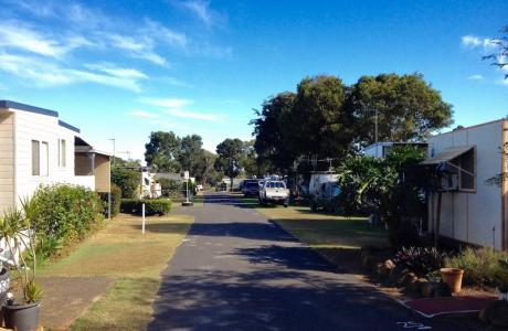 Kui Parks, Bundaberg, Oakwood Caravan Park