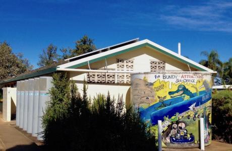 Kui Parks, Bundaberg, Oakwood Caravan Park, Amenities