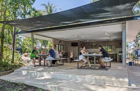 Kui Parks, Oasis Tourist Park, Camp Kitchen