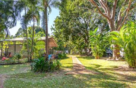 Kui Parks, Oasis Tourist Park