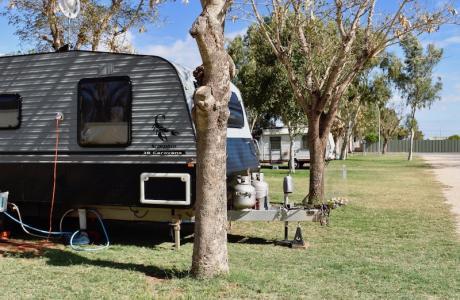 Kui Parks, Outback Oasis Caravan Park, Carnarvon, Sites