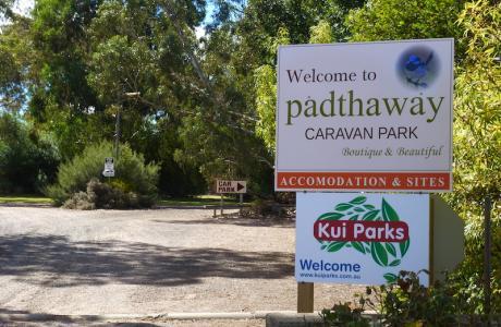 Kui Parks, Padthaway Caravan Park, Entrance