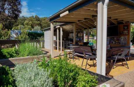 Kui Parks, Lilydale Pine Hill Caravan Park, Camp Kitchen