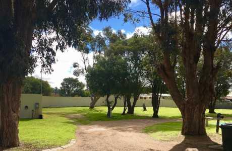 Kui Parks, Pink Lake Tourist Park, Esperance, Sites