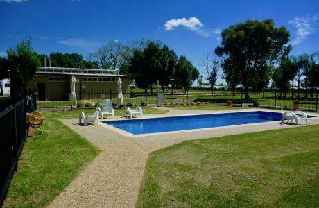 Kui Parks, Red Cliffs Caravan Park, Mildura, Pool