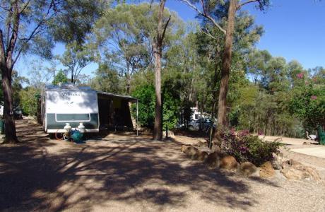 Kui Parks, Sapphire Caravan Park, Gemfields, Site