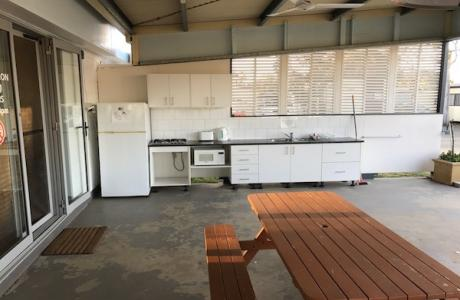 Kui Parks, City Lights Caravan Park, Tamworth, Camp Kitchen
