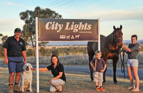Kui Parks, City Lights Caravan Park, Tamworth, Hosts