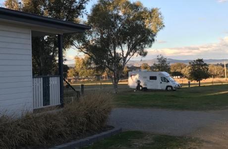 Kui Parks, City Lights Caravan Park, Tamworth, Cabin and Sites