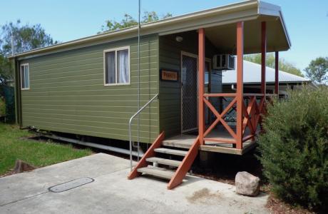 Kui Parks, Tenterfield Lodge Caravan Park, Tenterfield, Cabin