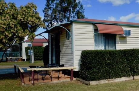 Kui Parks, Mundubbera, Three Rivers Tourist Park, Cabins