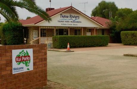 Kui Parks, Mundubbera, Three Rivers Tourist Park, Office