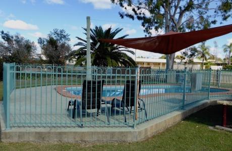 Kui Parks, Mundubbera, Three Rivers Tourist Park, Pools