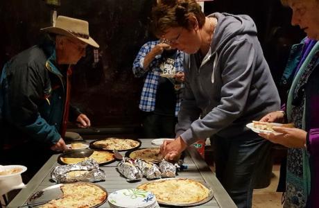 Kui Parks, Trangie Caravan Park, Pizza Evening