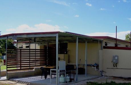 Kui Parks, Trinity Plains Tourist Park, Mareeba, Camp Kitchen