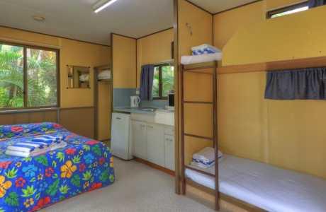 Kui Parks, Tropical Hibiscus Caravan Park, Mission Beach, Cabin
