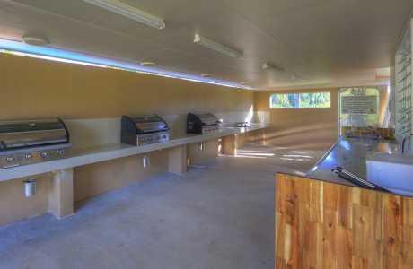 Kui Parks, Tropical Hibiscus Caravan Park, Mission Beach, Camp Kitchen