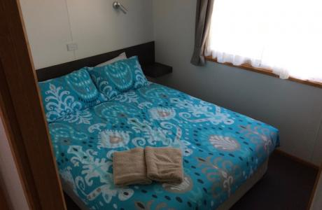 Kui Parks, Twin Dolphins Holiday Park, Tuncurry, Cabin